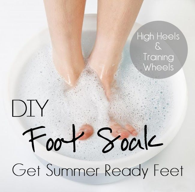 DIY Foot Soak You will need: 1/2 cup Mouthwash (any mouthwash will do; I used Equate) 1/2 cup Vinegar (I used apple cider vinegar) 1 cup Water (of the H20 variety)