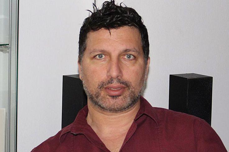 Χρίστος Τσιαήλης, συγγραφέας, μιλάει στον Διονύση Λεϊμονή