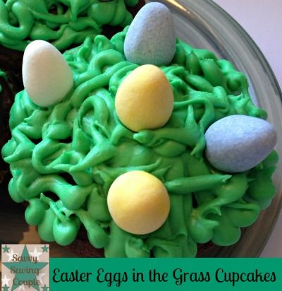 Easter Eggs in the Grass Cupcakes  #easter #recipes #cupcakes #eastertreats