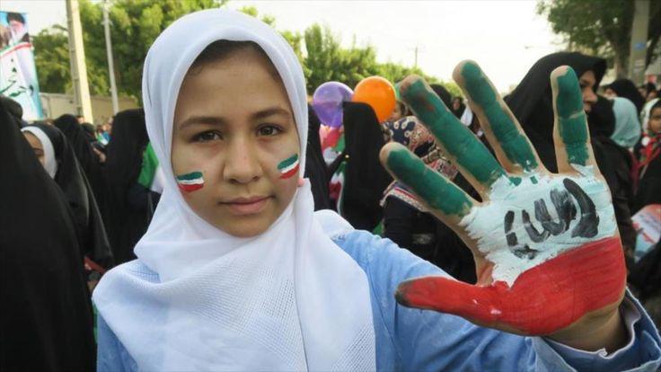 Iraníes celebran el 38º aniversario de Revolución Islámica