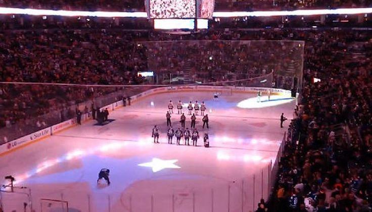 Toronto Maple Leafs Fans Finish Singing U.S. Anthem