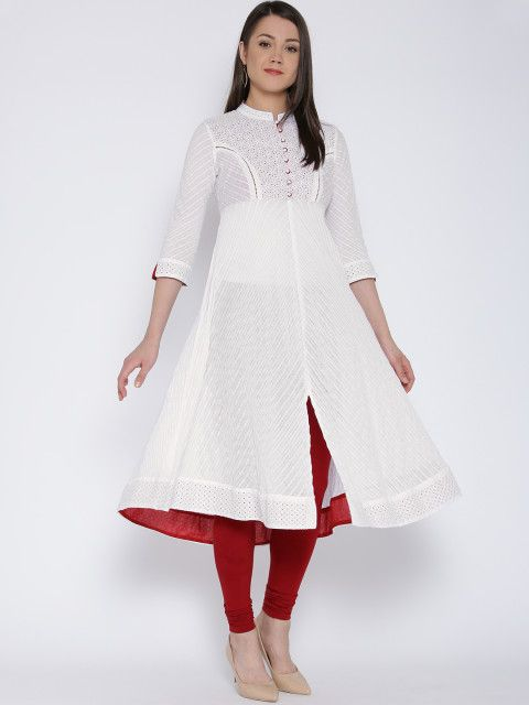 The next big thing on the kurta scene - the Schiffli embroidered kurtas are here. This dainty white number is definitely a bang for your buck. Kurta, women ethnic, trends to try, how to wear kurta, women's wear, Ethnic wear, kurta trends, white kurta