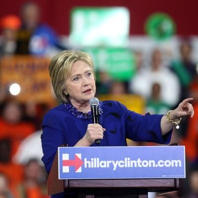 Viral: Hillary Clinton Hits Populist Notes in Pitch to Michigan