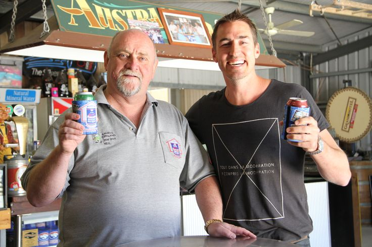 On location at the Great Aussie Beer Shed in #Echuca - Clint grabs a beer with the boys #PlacesWeGo #Victoria