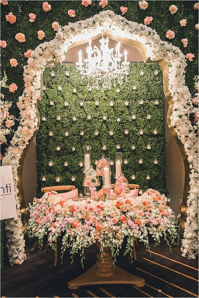 Want to see more WOW? Check out the hottest wedding event in Houston: The I Do! Wedding Soiree at the Four Seasons Hotel Houston on 10/18. Buy tickets NOW before they're gone!!: http://houstonweddingshows.com/ Photo: Ama Photography ~ Decor & Flowers: Flora & Eventi