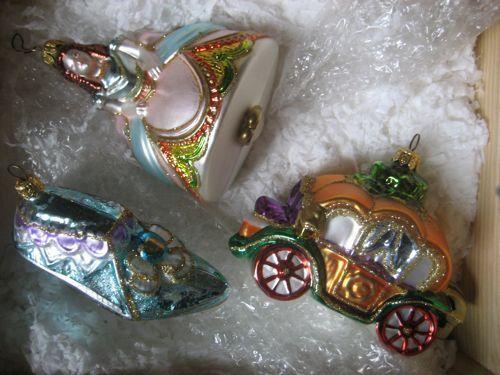 Cinderella Set of Three Komozja Ornaments In Wood Crate