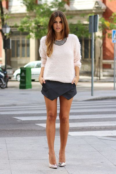 How to style my black skort: Love the fluffy white jumper, am currently on the hunt for a fluffy jumper now especially in white but no doubt i will get it in black also, that could match my white skort perhaps :)