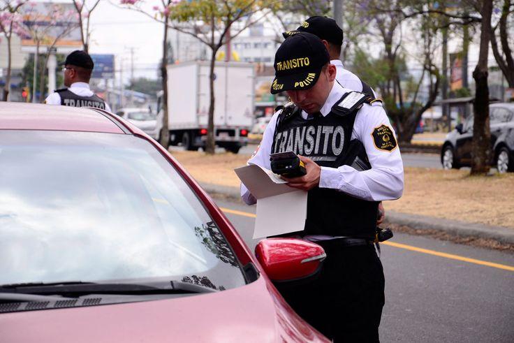 """Sindicato pide a tráficos """"abstenerse"""" de hacer multas por transporte ilegal"""