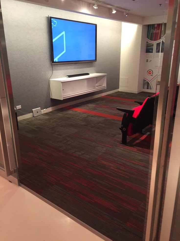 Spotted: @ShawContract in @KItweets space @NeoCon #NeoCon15