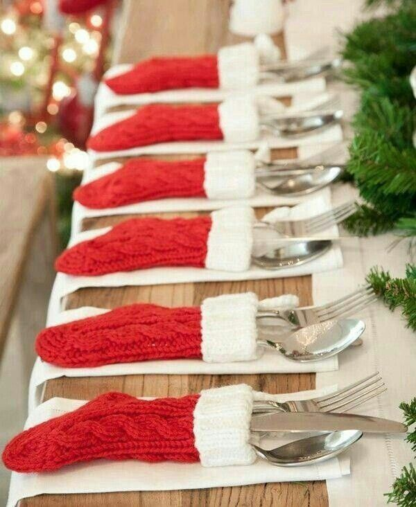 How cute is this Christmas stocking tablescape?! We love it! And it's SO easy to make! Check out these awesome DIYs to wow your guests!