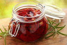 Вяленые помидоры на зиму в домашних условиях: рецепт приготовления в духовке, электросушилке, в микроволновке