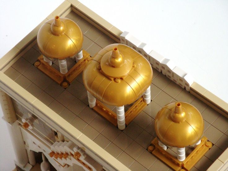 LEGO Prince of Persia MOC - Alamut Gate - three quarter view of the domes