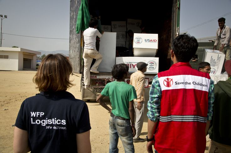 Coming together for #NepalQuake response: WFP, USAID & Save the Children are on the ground.