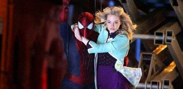 """Na ultima edição da Total Film, EmmaStone revela que Gwen Stacy será mais que uma dama em perigo na sequência O Espetacular Homem-Aranha 2. """"ele é o músculo, ela é o cérebro"""" A atriz comentou. Confira! Nas histórias de super heróis, facilmente conciliamos a figura do par romântico do herói a uma dama em perigo …"""