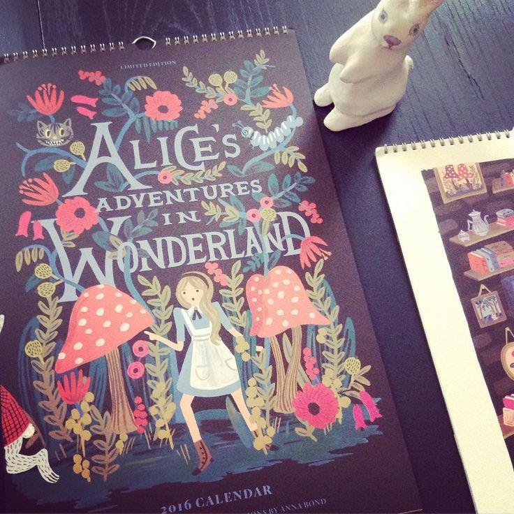 «Le fabuleux Calendrier Alice au pays des merveilles ❤️ merveilleusement illustré par Anna Bond est arrivé  l @little.home #calendrier #calendrier2016…»