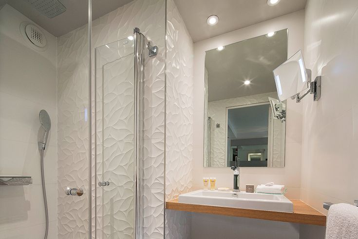 17 best images about salle de bain douche on pinterest for Porcelanosa douche