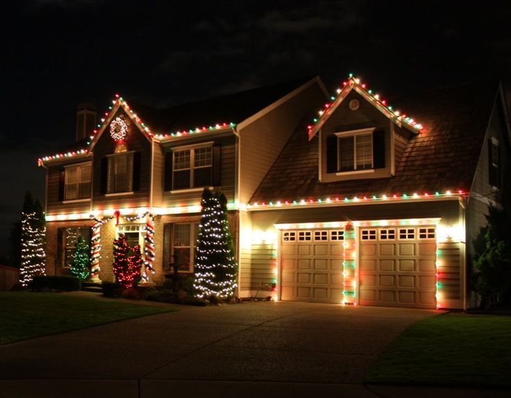 1000 Ideas About Christmas House Lights On Pinterest