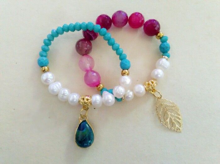 Pulseras, murano, perlas cultivadas, agatas.