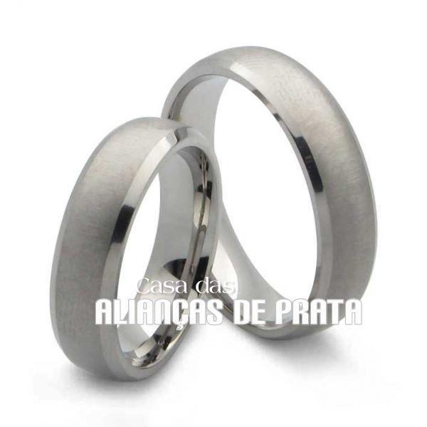 Alianças de compromisso em prata 950 Peso aproximado: 14 gramas o par Largura: 6 mm Anatômica  Acabamento Fosco