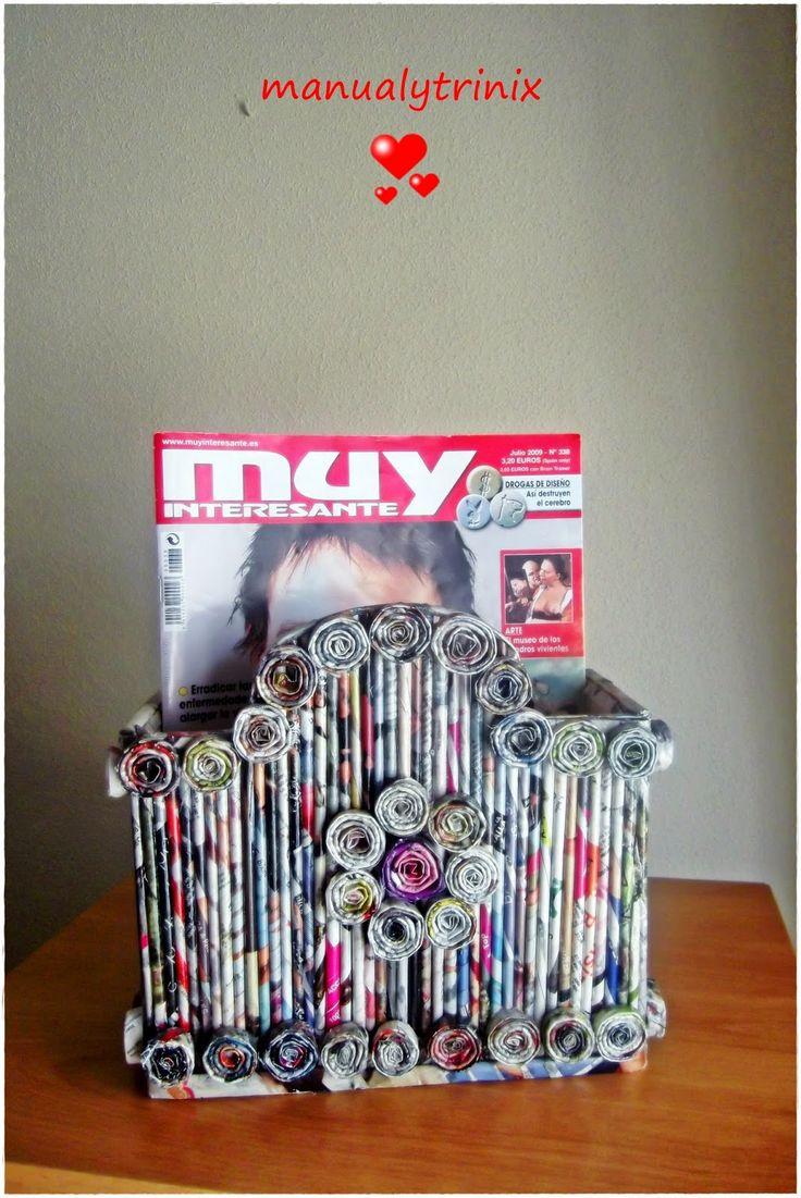 En la entrada de hoy quería mostraros los primeros trabajos que hice con papel de revistas. Son unos revisteros totalmente reciclados, pues...