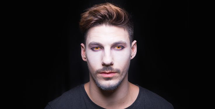 Come truccarsi ad Halloween 2015 - Cool Vampire - Step 2