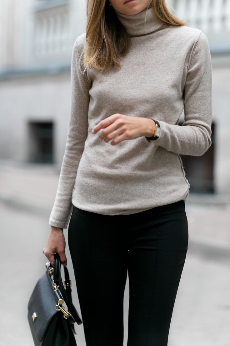 Hexeline cashmere sweater (similar here and here) / Hexeline trousers / Chloé flats / Dolce & Gabbana bag / Oroton watch I can not imagine the autumn without warm and soft in touch turtlenecks. When buying a sweater you should pay attention to the inner tag and choose the ones that are made of wool,...
