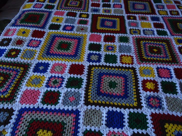 Manta de Crochê - Quadradinhos Colorida