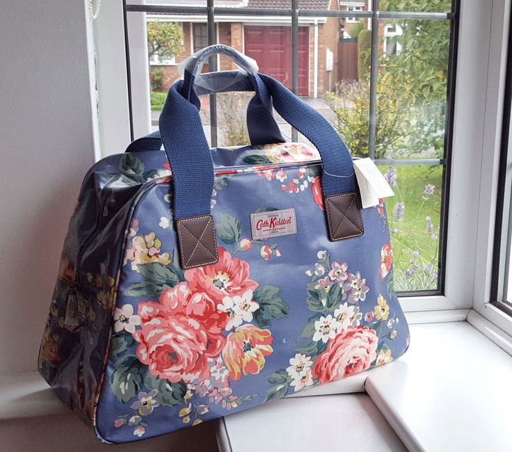 Last one £41.99 CATH KIDSTON OVERNIGHT WEEKEND BAG  OILCLOTH HOLDALL BAG