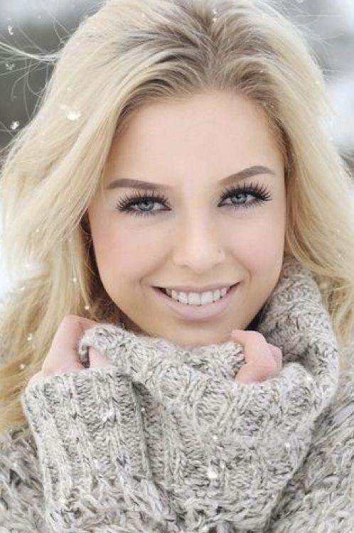 blonde hübsche frauen