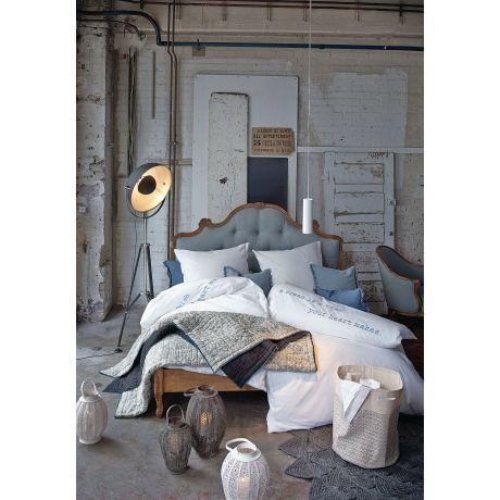 Alte Pracht In Neu Zum Träumen! Romantisches Bett Mit Kunstvoll  Geschwungenem Rahmen In Naturbelassenem Mangoholz