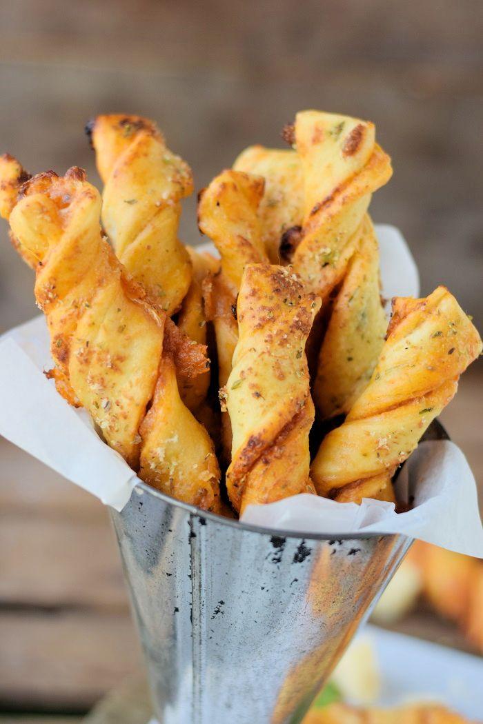 Twisted Pizza Sticks #pizza #summer #sommer #grillen #bbq | Das Knusperstübchen