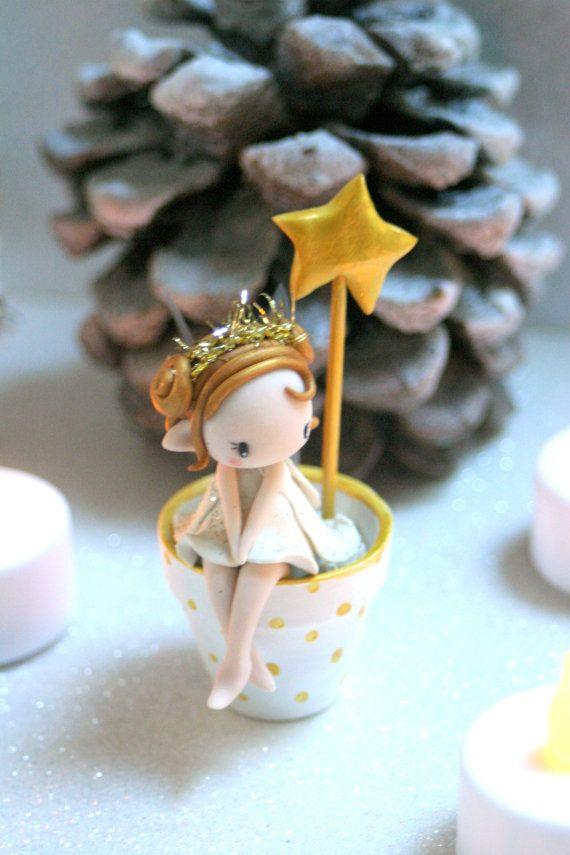 Stardust Fairy Figurine in a flower pot par TheDollAndThePea