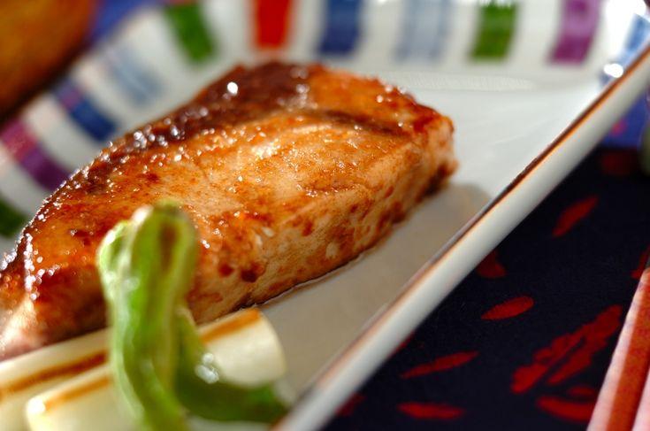 旬のブリを麺つゆとバターで洋風に。ブリの麺つゆバターソテー[和食/焼きもの]2016.11.28公開のレシピです。