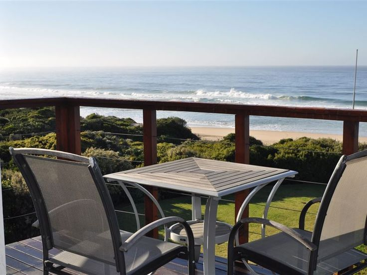 Sand Dunes V10 - Sand Dunes V10 is situated in the Dunes holiday resort in Keurboomstrand. Keurboomstrand is approximately ten minutes drive from the town of Plettenberg Bay. The beach villas are perfectly situated on ... #weekendgetaways #keurboomstrand #southafrica