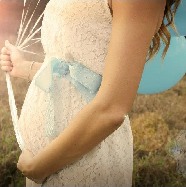 Beautiful way to tell everyone the sex of your baby #maternity #babyboy #pregnant