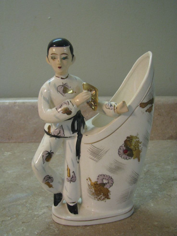 ASIAN BOY Acrobat/Actor/Theater HOLDING MASK PLANTER VASE VTG Circus NOT PERFECT