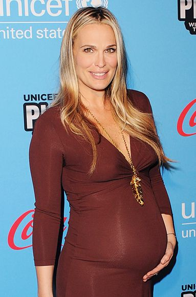 """""""This is the secret I tell most women,"""" mommy-to-be #MollySims said. """"Go a little tighter around the belly, because it actually makes you look thinner."""" http://news.instyle.com/photo-gallery/?postgallery=113683#Maternity Fashion, Baby Bump, Outfit, Maternity Style, Inspiration Maternity, Fashionising Life, Fabulous Mom, Mommy'S To B Mollysim, Fashioni Life"""