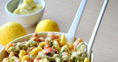 Κανείς δεν θα καταλάβει πως αυτή η σαλάτα είναι νηστίσιμη!!! Υλικά 500 γρ. βρασμένα ζυμαρικά της αρεσκείας μας(πένες,βίδες,κοχυλάκια ή άλλα)...