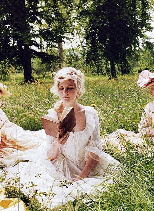 Kirsten Dunst as Marie Antoinette//