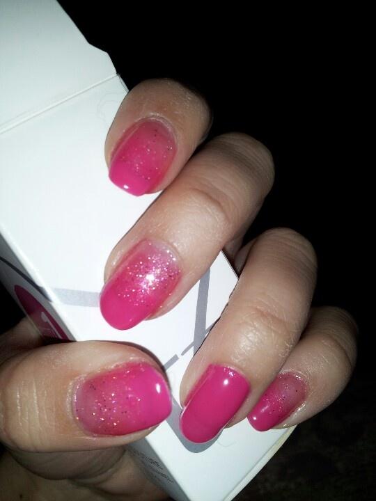 Ombre pink sparkle gel nails