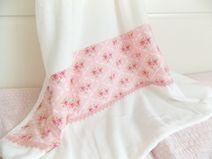 * kuschelige Decke rosa Rosen