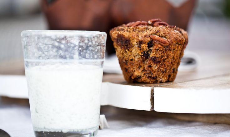 Muffiny s banánem, kousky čokolády a pekanovými ořechy | KITCHENETTE