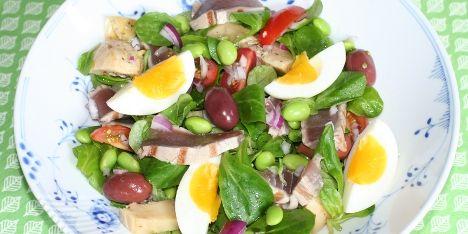 En fransk klassiker, hvor både æg og tun giver en god mæthedsfornemmelse. Kan serveres som en ret i sig selv eller som tilbehør.