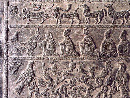 Древнее изображение доктора Бьен Чуэ в образе птицы