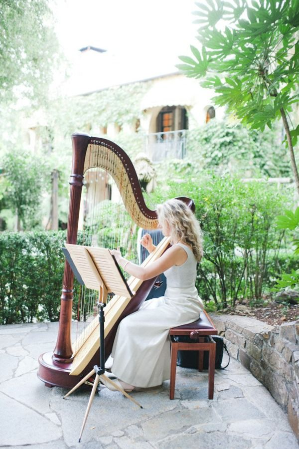 #DBBridalStyle a harp player would be lovely