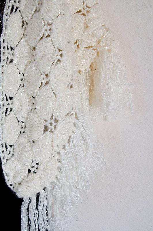 White shawl by OLIVINLOVE on Etsy