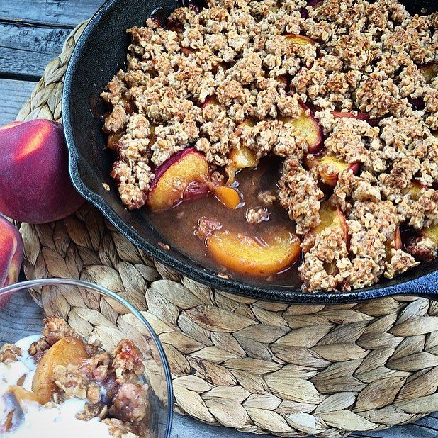 Ending the last long weekend of summer with a peach crisp. The peaches have been so good this year that it felt wrong to cook them, but it sure did taste right! Hope everyone had a wonderful weekend! @zimmysnook