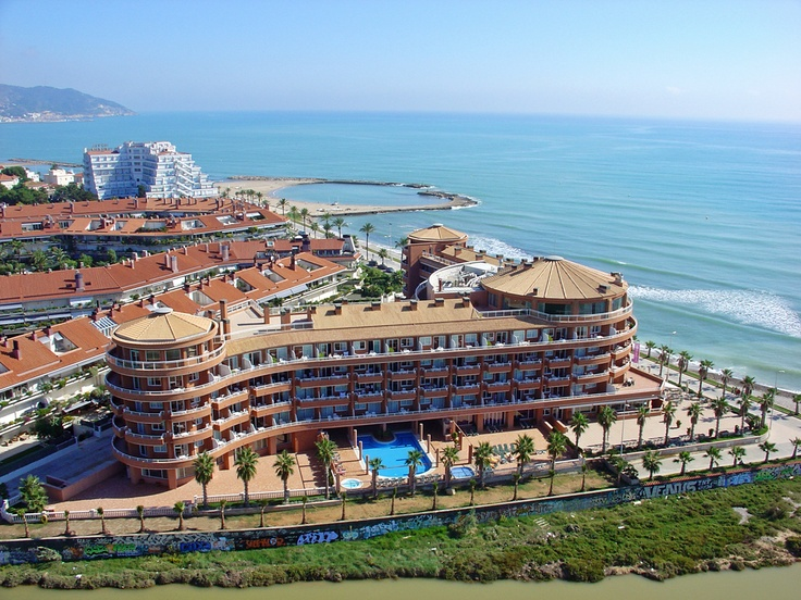 Another aerial view of the hotel and of Terramar residential area of Sitges.