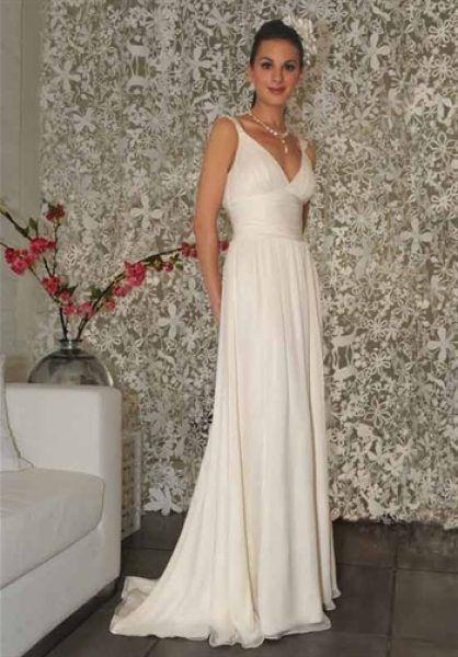 Rochie de mireasa alba, simpla si foarte eleganta.