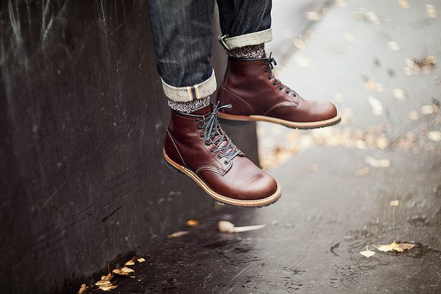 The Red Wing Beckman boot, also known as The Gentleman Traveler, in Black Cherry Featherstone (9011).